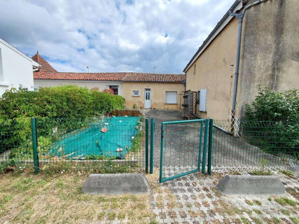 Maison Type 4 avec jardinet et cour
